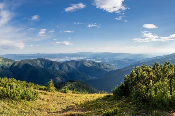 Nizke-Tatry_07-2018_02_panorama-z-Rovienok-k-Veporskym-vrchum_4000px